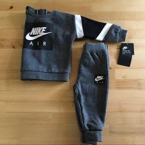 NWT Nike sweatshirt and sweatpants set